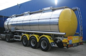 Доставка красного пальмового масла наливом в автоцистернах